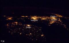 città di notte dallo spazio hd