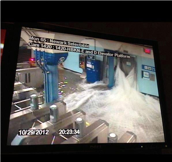 immagini uragano sandy metropolitana di new york
